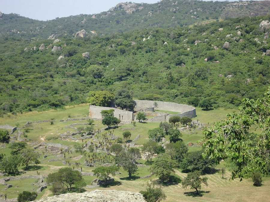 Great zimbabwe ruins for Mirror zimbabwe